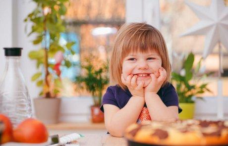 הקניית נימוסי אכילה מגיל צעיר