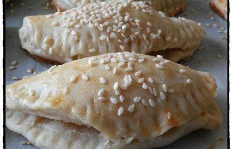 בורקיטס במילוי תפוחי אדמה וגבינות עיזים