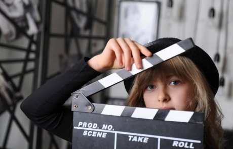 מדיטק חולון יפתח בחופשת הקיץ  קייטנת תיאטרון וקולנוע